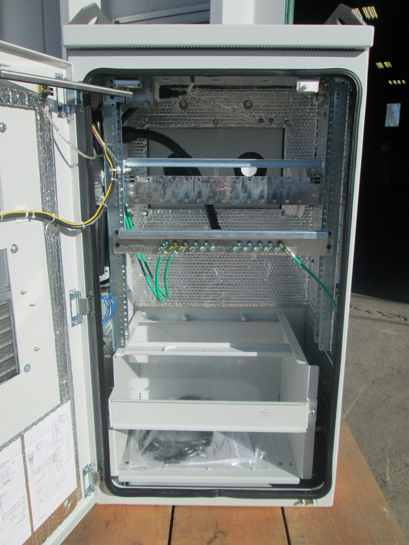 Eltek 2315 Cabinet | Telecom Surplus Resources