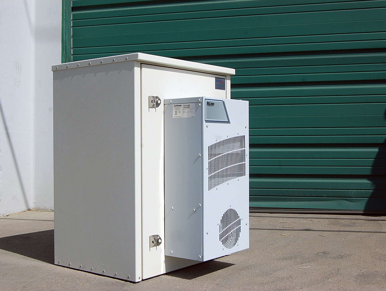 American Products 16ru Cabinet Telecom Surplus Resources